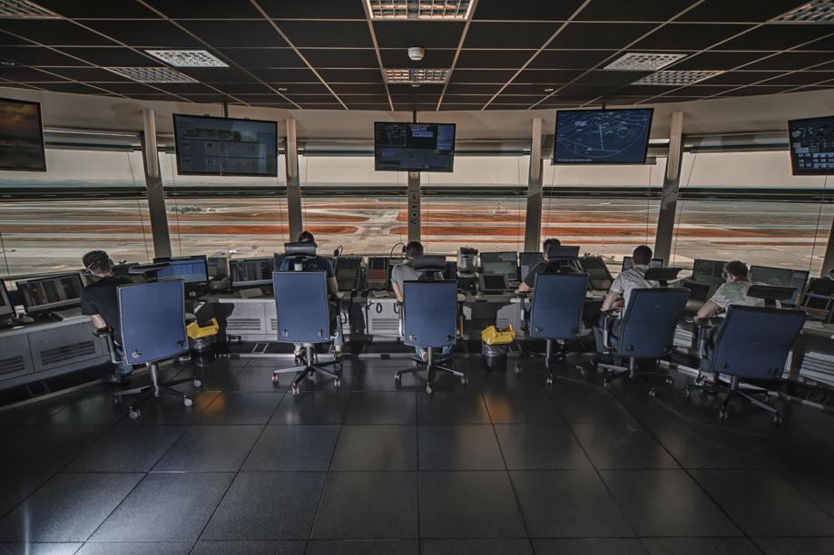 Leonardo: utile 2017 in calo a 274 mln, cedola invariata